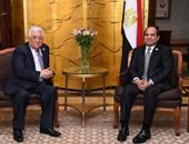"""الرئاسة: """"أبو مازن"""" يزور القاهرة غدا تلبية لدعوة السيسي"""