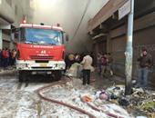 الدفع بـ 10 سيارات إطفاء للسيطرة على حريق بمصنع مواد كيماوية بالبدرشين