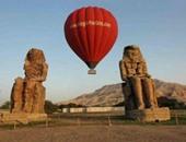 8 رحلات بالون طائر تقل 154 سائحا للاستمتاع بالآثار الفرعونية فى الأقصر
