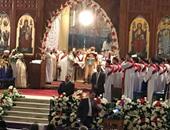 بالفيديو..كاهن يترجم قداس العيد إلى لغة الصم والبكم بكاتدرائية العباسية