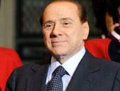 برلسكونى يخاطب حشدا من مؤيديه قبل أيام من الانتخابات بإيطاليا