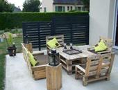 بالصور.. 10 أفكار مبتكرة لشرفة منزلك من الأخشاب القديمة