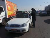 """""""المرور"""" يضبط 40 سائقا يتعاطون المخدرات أثناء القيادة بالطرق السريعة"""