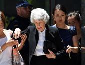 """إندبندنت: رهينة أسترالى يبعث رسالة طمأنة لوالدته من داخل مقهى """"سيدنى"""""""