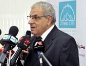 """إبراهيم محلب: الحكومة تدعم مشروع """"معا"""" لتطوير العشوائيات"""