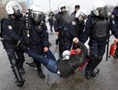 بالصور.. شرطة تركيا تعتقل عشرات المتظاهرين المؤيدين للتعليم المدنى(تحديث)