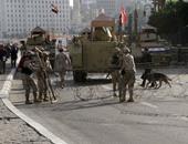 """""""المفرقعات"""" تمشط محيط تمركز مدرعات الجيش بمداخل ميدان التحرير"""