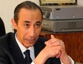 """""""انقطاع البث وأزمة الكهرباء وبيع أصول التليفزيون"""" يعجل برحيل عصام الأمير"""