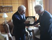 محافظ جنوب سيناء يوقع بروتوكول تعاون مع سفير بيلا روسيا