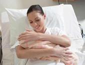 """الرضاعة الطبيعية بعد الدقيقة الأولى من الولادة """"حياة أوموت"""" للطفل"""