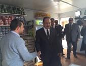 وزير الداخلية داخل منافذ المنتجات الغذائية لضمان وصول السلع للبسطاء