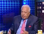 """أحمد عكاشة: """"فوضى وسوقية اللغة بمصر لا مثيل لها فى العالم أجمع"""""""