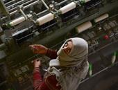 بالصور.. حكاية صناعة الحرير فى الهند على أيدى النساء
