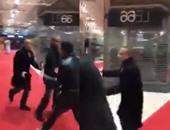 بالفيديو..أحمد موسى يتعرض لمحاولة اعتداء من عناصر إخوانية فى باريس