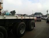 توقف حركة المرور على طريق إسكندرية الزراعى بسبب انقلاب سيارة نقل بقها