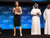 غادة عبد الرازق تهنئ منة شلبى على جائزة أفضل ممثلة بمهرجان دبى