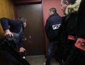 بالصور.. شرطة فرنسا تضبط أكبر شبكة تهريب مهاجرين صينيين فى مدرسة