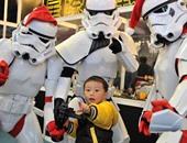 """عشاق فيلم """"حرب النجوم"""" يرتدون أزياء قوات الفضاء فى تايوان"""