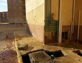بالصور.. تسليم عمارات مدينة بدر بمواسير مياه وصرف مكسورة بحضور وزيرين