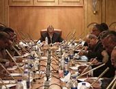محافظ قنا يناقش أولويات تنفيذ الاستراتيجية الوطنية لمكافحة الفساد