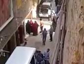 بالفيديو.. ماعت ترصد حشد ناخبين ورشاوى مالية بمنطقة الأميرية