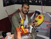بالصور.. رامز أمير يحتفل بعيد ميلاده بأحد كافيهات المهندسين