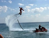 بابا نويل يطير على الماء لتشجيع السياحة فى الغردقة