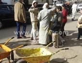 صحافة المواطن: بالصور.. شاب يحرض أطفالًا على التسول بالمعادى