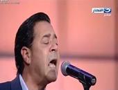 """بالفيديو.. مدحت صالح يهدى شادية أغنية """"مخاصمنى بقاله مدة"""" بمناسبة قرب عيد ميلادها"""