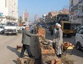 رئيس قطور يتابع أعمال تطوير مدخل المدينة ورفع القمامة