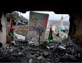 بالصور.. الفلسطينيون يتفقدون منزل الأسير راغب عليوى بعد تفجير قوات الاحتلال له