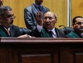 """قاضى """"كتائب حلوان"""" الإرهابية يحذر متهم لتحدثه أثناء تلاوة أمر الإحالة"""