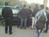 """القبض على طالب بحوزته """"مسدس صوت"""" بجامعة القاهرة"""