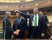 """الأمين العام لـ""""النواب"""" يتفقد القاعة الرئيسية للمجلس والأعضاء الجدد يستخرجون الكارنيهات"""