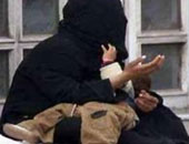 بتر إصبع أمين شرطة أصيب أثناء ضبطه شخصا يتسول داخل قطار فى أسيوط