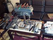 ضبط ورشة لتصنيع الأسلحة النارية داخل منزل عامل فى أبو قرقاص بالمنيا