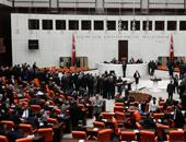 البرلمان التركى يوافق على تمديد تفويض نشر قوات تركية فى العراق وسوريا عاما