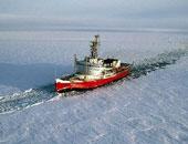 كندا ترسل كاسحتى جليد إلى القطب الشمالى لجمع بيانات