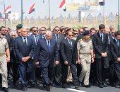 """ننشر صور مشاركة الرئيس السيسي بجنازة """"زويل"""" العسكرية"""