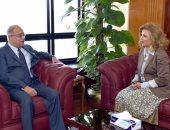 رئيس الوزراء يطلع على مراحل حملة ترشيح السفيرة مشيرة خطاب لليونسكو