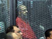 """إيداع قيادات الإخوان قفص الاتهام قبل النطق بالحكم فى """"أحداث مكتب الإرشاد"""""""