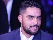 حسن الشافعى وأحمد فهمى يصلان القاهرة بعد المشاركة فى آراب أيدول ببيروت