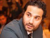 """كريم فهمى ونجلاء بدر تجمعهما مشاهد بأحد مستشفيات القاهرة لتصوير """"أمر واقع"""""""
