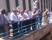 وزير الموارد المائية والرى يتفقد الاستعدادات للفيضان فى السد العالى