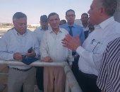 بالصور.. وزير الرى يتفقد السد العالى فى جولة مفاجئة بأسوان