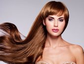 4 زيوت طبيعية هتساعدك على حل مشكلات الشعر