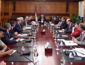 رئيس الوزراء يعقد اجتماعا لمناقشة مذكرات التفاهم المقرر توقيعها مع الأردن