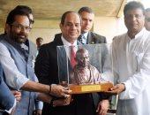وزير الشئون البرلمانية الهندى ينشر صور جديدة للسيسي أثناء زيارته قبر غاندى