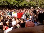 الآلاف يشيعون جثمان الشهيد أشرف الطباخ بقرية سنهور فى البحيرة