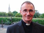 الكشف عن مثلية قس إنجيلى يثير الجدل فى بريطانيا